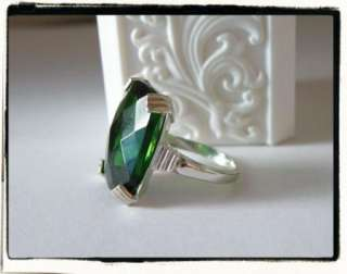 Vintage Art Deco Sterling Silver 925 Emerald Green Glass Cocktail Ring