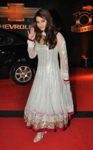 Indian/Pakistani latest designer BOLLYWOOD Anarkali/pishwas w Churidar