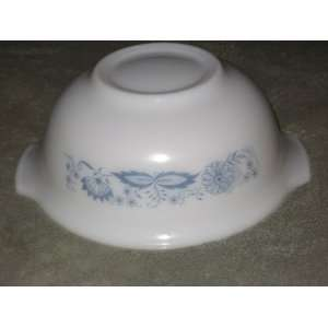 Vintage Glass Blue / Gray Flower Pattern Mixing Batter Nesting Tab