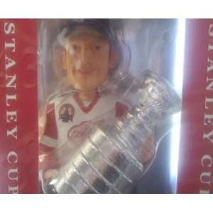 DOMINIK HASEK 2002 DETROIT RED WINGS Forever Collectibles
