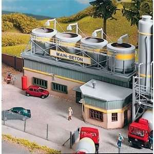 CONCRETE PLANT MIXING BUILDING   PIKO HO SCALE MODEL TRAIN