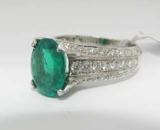 18K White Gold Ring w/ Emerald Stone & Diamonds