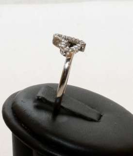 Estate 10K Solid White Gold .25ct Diamond Heart Womans Ring