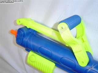 Larami Super Soaker CPS 300 Water Squirt Gun + backpack