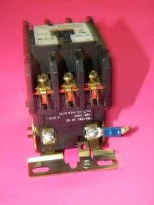 Cutler Hammer C25DND330 Contactor, 30 Amp, 3 Pole