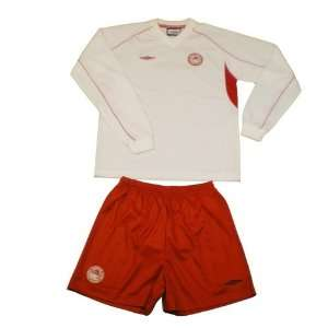 Olympiacos soccer jersey set. Very high quality polyester football
