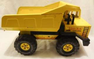 1980s LARGE TONKA TURBO DIESEL DUMP TRUCK ( METAL )