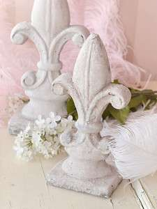 Shabby Cottage Chic French Style Fleur De Lis Ceramic Garden Ornament