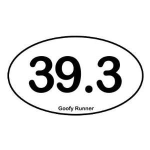 39.3 Goofy Runner   Oval Sticker Arts, Crafts & Sewing
