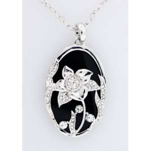 Clear Austrian Crystal Flower Design Oval Pendant Necklace Jewelry