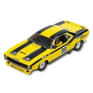 SCX   1/32 Plymouth Barracuda Yellow, Analog (Slot Cars