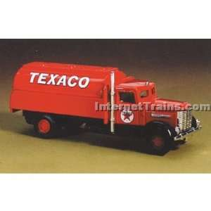 IMEX HO Scale Peterbilt Tank Truck   Texaco: Toys & Games