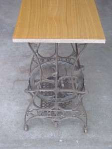 VINTAGE ANTIQUE WHITE SEWING MACHINE TREADLE TABLE STAND NR