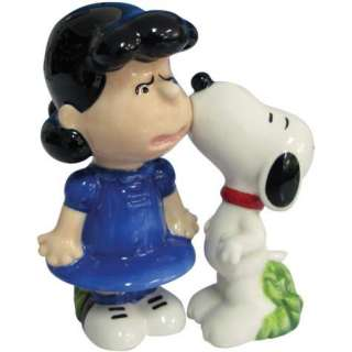 18277   Snoopy & Lucy Kiss Salt/Pepper Shakers (Peanuts Collection